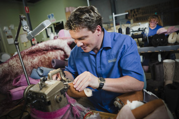 Mortels-Sheepskin-Factory-Tony-Sewing