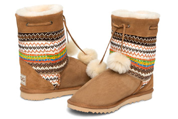 Navajo-Short-With-Pom-Poms-Australian-Ugg-Boots-355x237